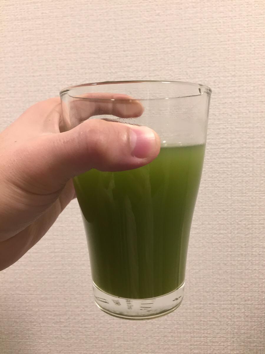 大正製薬大麦若葉青汁キトサンを緑茶で割る